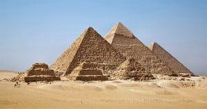 ¿Quieres comprar una pirámide? Te saldrá caro.