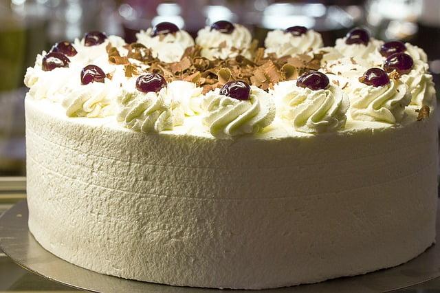Tarta de chocolate blanco. recetas fáciles de chocolate en 10 minutos (o un poco más)