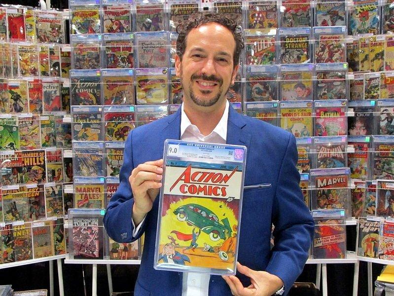 Sosteniendo action comic 1. Los cómics más caros de la historia