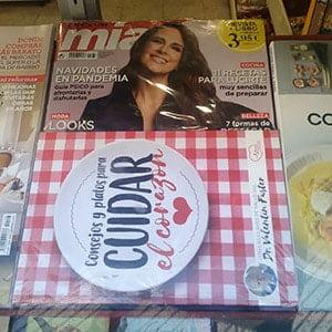 """Revista mia con libro """"consejos y platos para cuidar el corazón. Regalos revistas enero 2021: comienza el año con fuerza"""