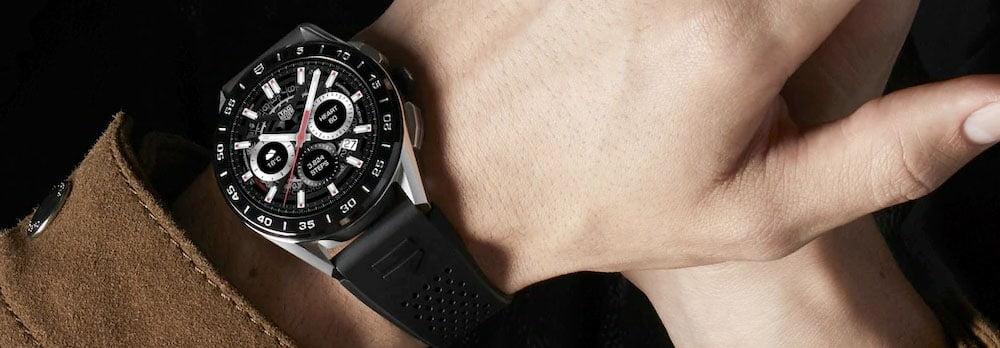 Reloj de lujo smartwatch Tag Heuer Connected. Cosas de tecnología solo aptas para millonarios y gadgets de lujo