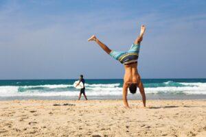 Lee más sobre el artículo Sitios baratos con playa para viajar en España este verano